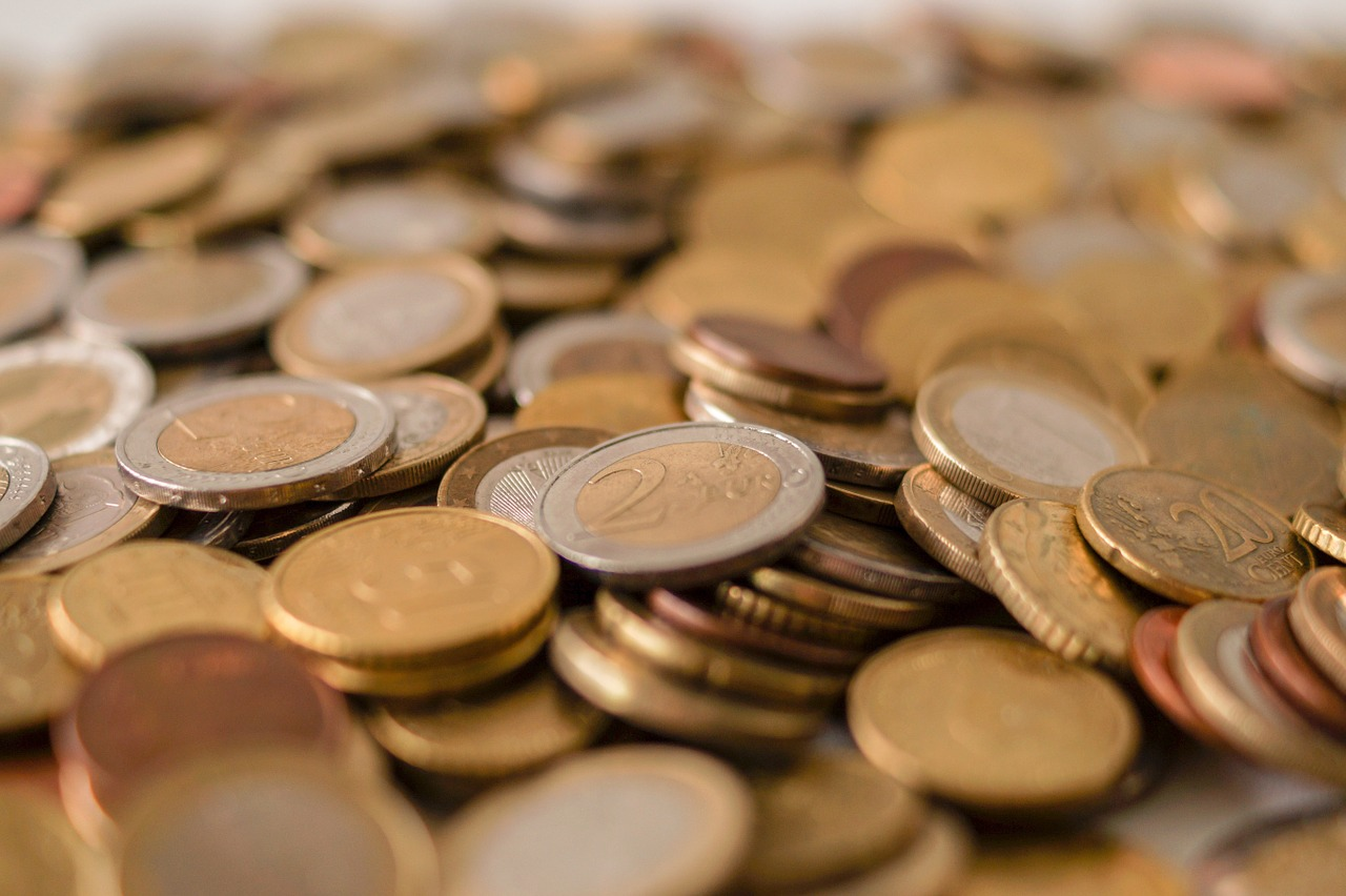 A Closer Look at the Benefits and Drawbacks of Money Market Funds